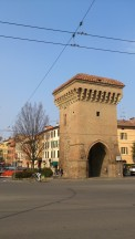 Porta Castiglione looks firm & fresh this since 15th century. Its secret? Gentle sunbaths & extra virgin olive oil. Duh!